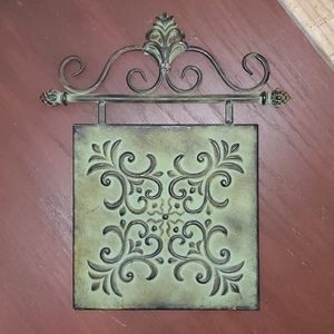 Metal Scroll Wall Art Hang Picture